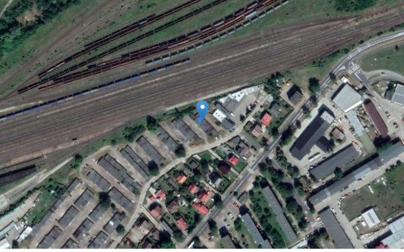 Miejsce postojowe w miejscowości Targowa, Targowa 1 (lubuskie). Garaże i miejsca postojowe. Targowa 1, 66-470, Targowa, (woj. lubuskie)
