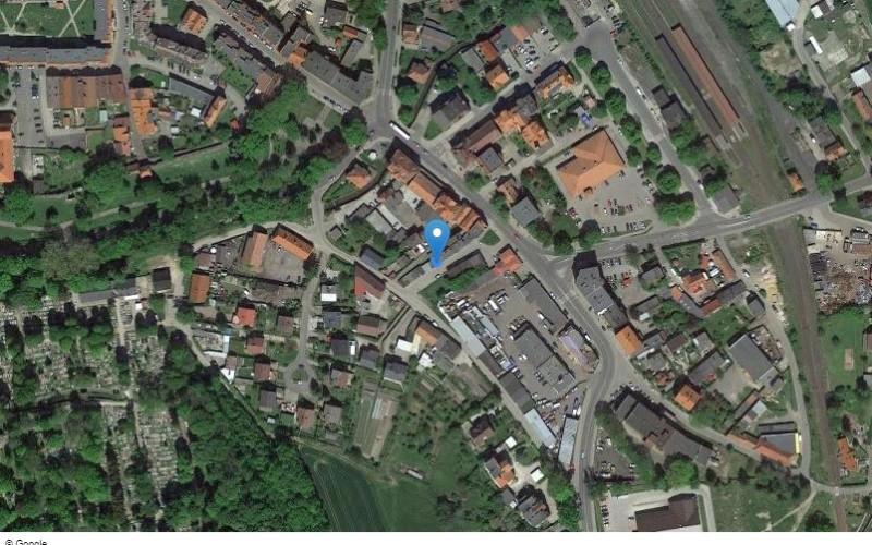 Miejsce postojowe w miejscowości Lwówek Ślaski,  (dolnośląskie). Garaże i miejsca postojowe. Tęczowa, 59-600, Lwówek Śląski, (woj. dolnośląskie)