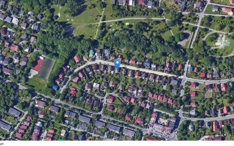 Dom w miejscowości Kraków, ul. Narvik 52 (małopolskie). Działka numer: 458/3. Domy. ul. Narvik 52, 30-436, Kraków, (woj. małopolskie)